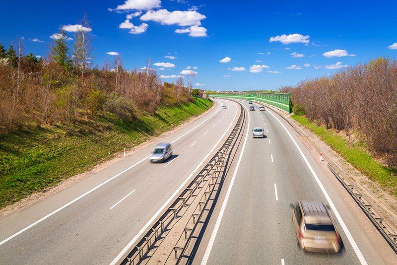 Sie sehen ein Bild der neuen Ostseeautobahn S6 - © Patryk Kosmider - Foto: Fotolia.com_80878716_S